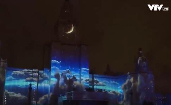 """Mãn nhãn với đêm hội  """"Vòng tròn ánh sáng"""" đầy màu sắc ở Moscow"""