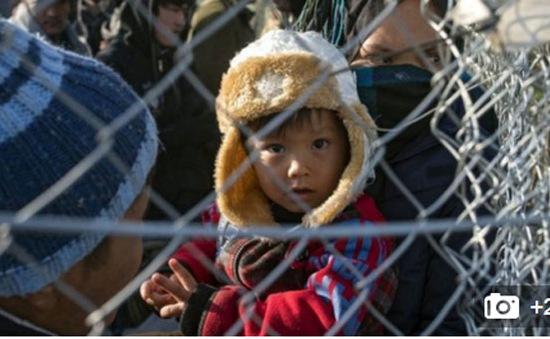 Hàng chục nghìn người di cư mắc kẹt trên tuyến đường Balkan