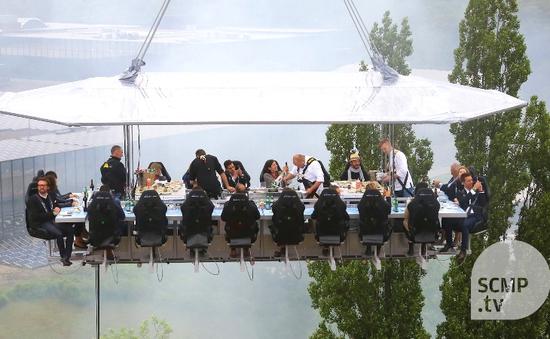 Trải nghiệm bữa ăn ở độ cao 50m tại Bỉ