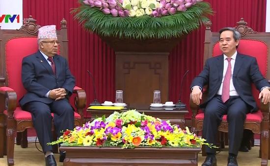 Đồng chí Nguyễn Văn Bình tiếp nguyên Thủ tướng Nepal