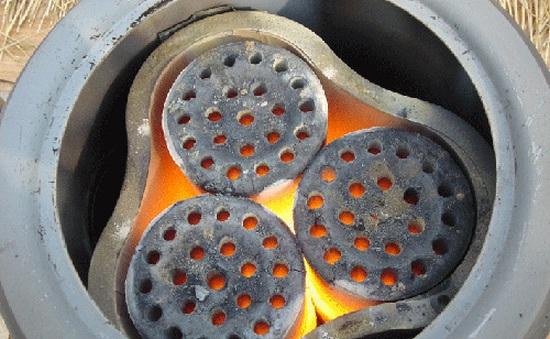 Nhiều người ngộ độc khí CO do đốt than sưởi ấm