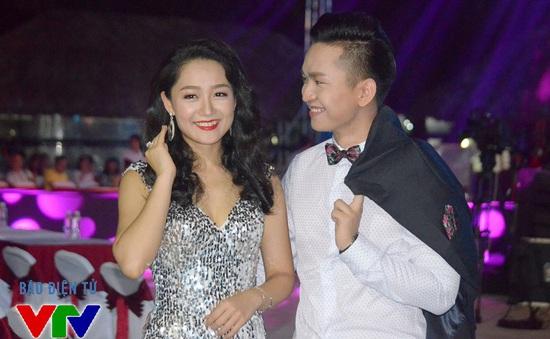Cặp đôi MC Thu Hà – Hạnh Phúc ăn ý trong đêm bán kết Hoa hậu Biển