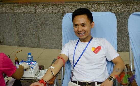 Dân văn phòng cùng nhau hiến máu vì bệnh nhân Thalassemia