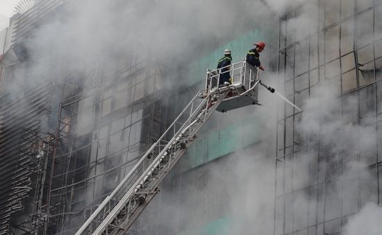 Hiện trường ngổn ngang, kinh doanh đình trệ sau vụ cháy trên đường Trần Thái Tông
