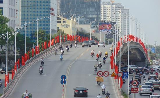 Phố phường Hà Nội rực rỡ trước ngày bầu cử