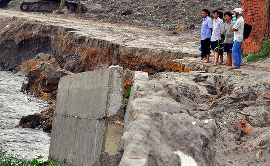 Điều tra vụ bờ kè tiền tỷ bị cuốn trôi sau mưa