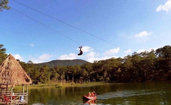 Đà Lạt đình chỉ hoạt động đu dây cáp trên hồ Tuyền Lâm