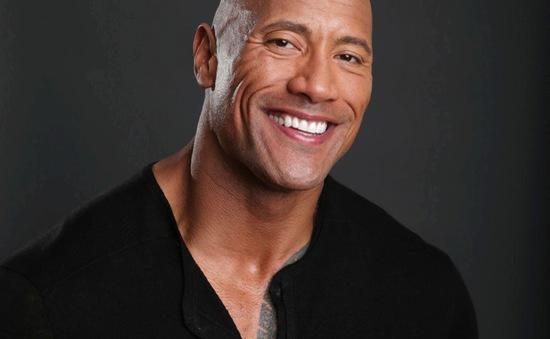 Dwayne Johnson được gắn tên trên Đại lộ Danh vọng Hollywood
