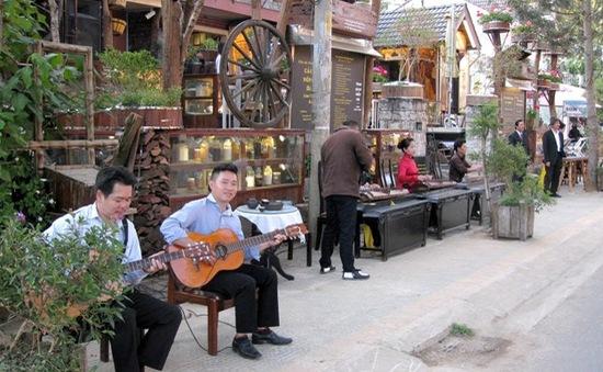 Chính thức mở cửa Phố nghệ thuật Yersin Đà Lạt