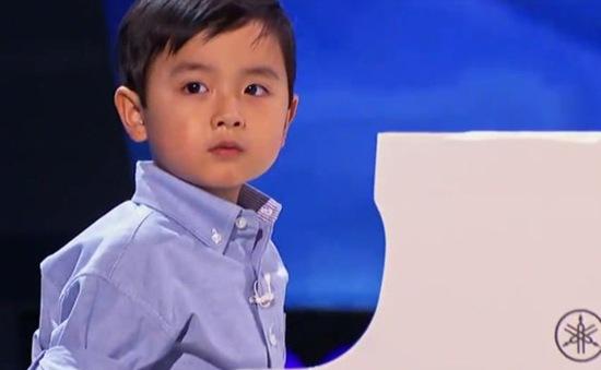 """""""Thần đồng piano"""" gốc Việt Evan Le về nước biểu diễn"""