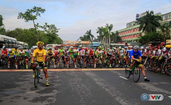 VIDEO chặng 8 Giải xe đạp quốc tế VTV - Cúp Tôn Hoa Sen 2016