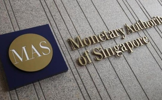 Singapore đóng cửa ngân hàng Falcon của Thụy Sĩ