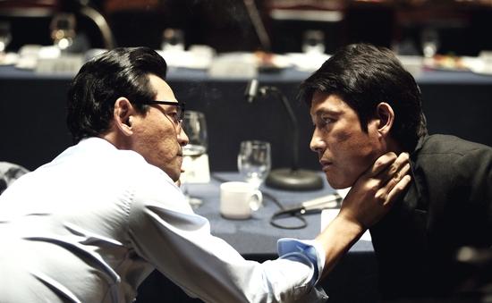 Phim của tài tử Jung Woo Sung công phá rạp chiếu phim xứ Hàn