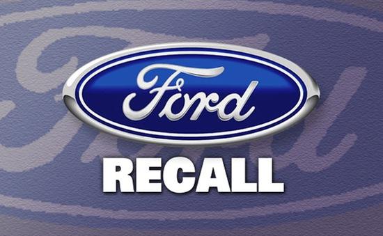 Ford thu hồi 830.000 xe do lỗi chốt cửa