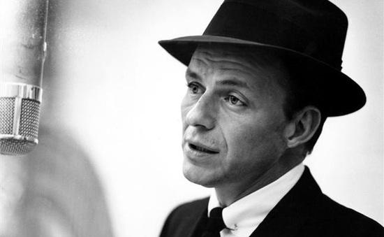 Huyền thoại Frank Sinatra Jr qua đời ở tuổi 72