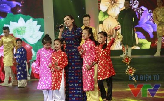 Gala Tết Việt 2016: Không gian âm nhạc rộn ràng sắc Xuân (20h05, VTV3)