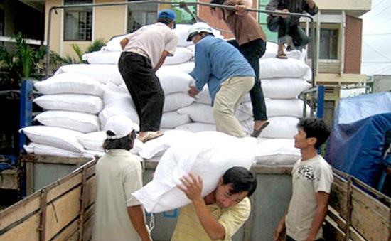 Hoàn thành cấp phát gạo đợt 2 tại các tỉnh miền Trung bị ảnh hưởng bởi sự cố môi trường