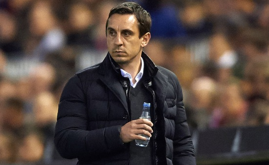 Huyền thoại Man Utd mất việc tại Valencia vì thành tích kém cỏi