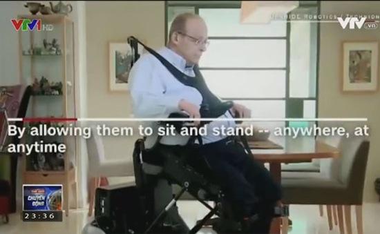 Ghế ngồi giúp người liệt chân có thể đứng và đi lại