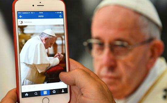 Instagram của Giáo hoàng thu hút hơn 1 triệu lượt theo dõi
