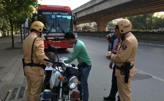 Xử lý trên 1.200 vi phạm luật giao thông ngày đầu ra quân