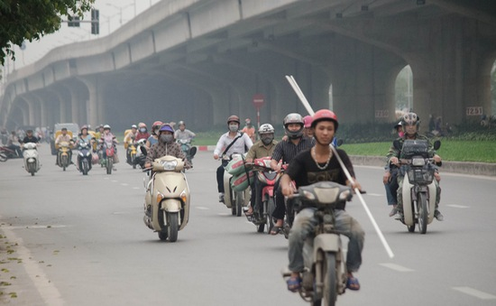 Đề xuất bỏ thu phí đường bộ đối với xe máy