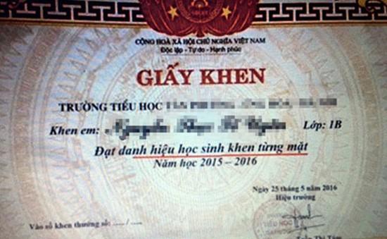 """Hà Nội: Thu hồi 149 giấy khen """"từng mặt"""" tại Ứng Hòa"""