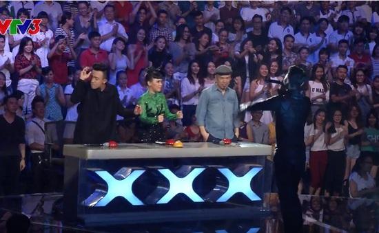 """Vietnam's Got Talent: Giám khảo """"quẩy"""" nhiệt tình trước màn beatbox siêu độc"""