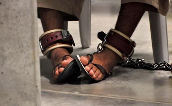 Mỹ chuyển 15 tù nhân khỏi nhà tù Guantanamo tới UAE