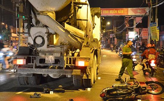 TP.HCM: Hai nam công nhân bị xe bồn cán tử vong
