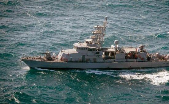 Hải quân Mỹ bắn cảnh cáo tàu Iran