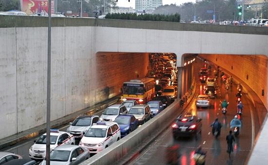 Sở GTVT Hà Nội tổ chức lại giao thông hầm Kim Liên