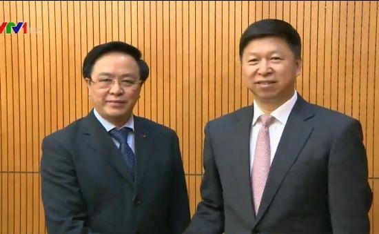 Đồng chí Hoàng Bình Quân tiếp Đặc phái viên của Chủ tịch Trung Quốc