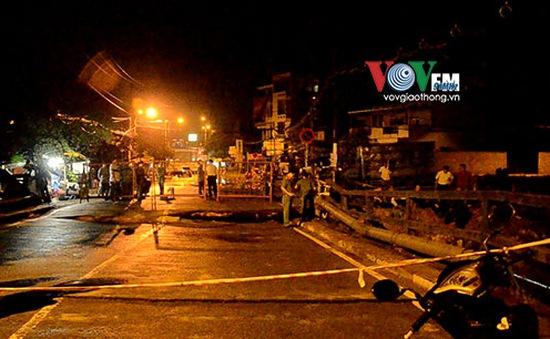 TP.HCM: Sập mố cầu Tân Kỳ Tân Quý, giao thông bị phong tỏa