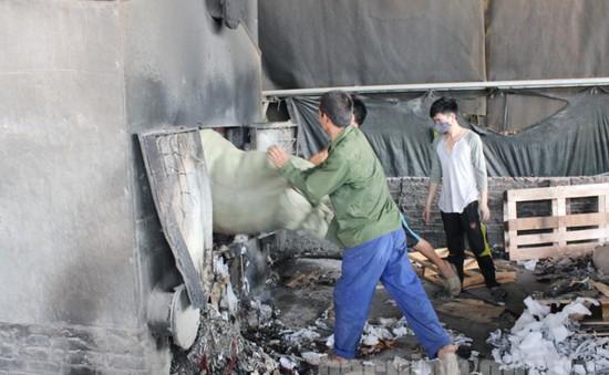 Phát hiện doanh nghiệp ở Bắc Ninh đốt lò hơi bằng… vải vụn