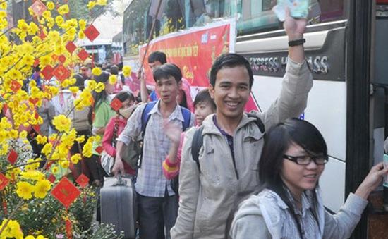 TP.HCM hỗ trợ 10.000 vé xe cho công nhân về quê đón Tết