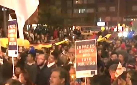 Người dân Colombia vui mừng sau thỏa thuận hòa bình lịch sử