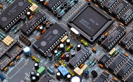Học ngành Công nghệ kỹ thuật điện tử, truyền thông có được làm việc ở nước ngoài?