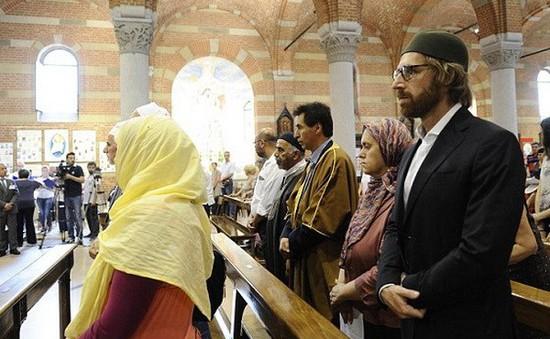 Pháp đóng cửa 4 nhà thờ Hồi giáo