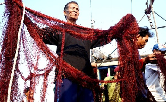 Kịp thời cứu hộ tàu cá ở khu vực khai thác không truyền thống