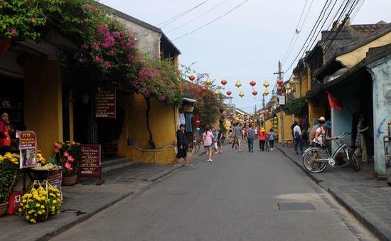 Du khách đến Việt Nam tăng vọt nhờ chính sách miễn thị thực