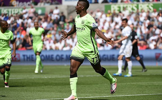 Iheanacho ghi bàn giúp Man City nắm chắc vé dự Champions League
