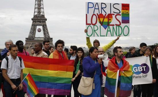 Thế giới tưởng niệm nạn nhân vụ xả súng tại Orlando, Mỹ