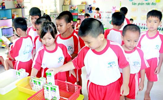 Đà Nẵng: Huyện Hòa Vang thu hồi công văn sử dụng sữa trong trường mầm non