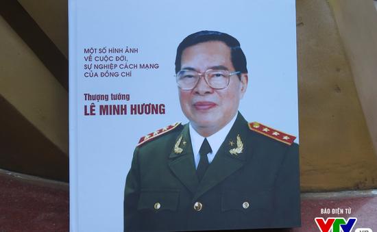 Ra mắt cuốn sách về cuộc đời, sự nghiệp cách mạng của cố Bộ trưởng Lê Minh Hương