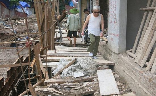 Hà Nội: Chật vật cuộc sống của người dân phố Khương Thượng