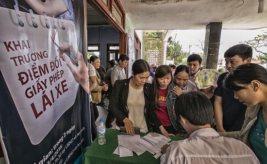 """Lý Sơn - Huyện đảo đầu tiên cấp đổi giấy phép lái xe """"giữa biển"""""""
