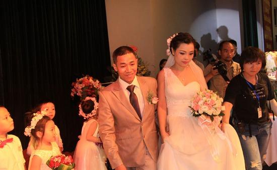 Hình ảnh đám cưới cổ tích của cô gái mang bệnh tan máu bẩm sinh
