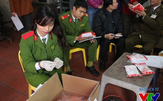 Tăng cường kiểm tra VSATTP tại làng nghề bánh kẹo mứt Xuân Đỉnh – Xuân Tảo