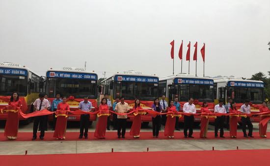 Hà Nội mở 2 tuyến xe bus trợ giá, wifi miễn phí về Xuân Mai